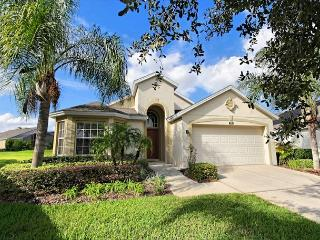 GRAND PAVILION: 4 Bedroom Home in Gated Community with South Facing Pool Area, Davenport