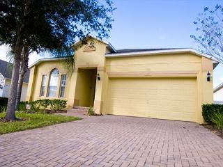 DISNEY FUN VILLA: 4 Bedroom Pet-Friendly Home with Kid Theme Room & Game Room, Davenport
