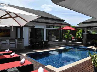 4 Bedroom Luxury Pool Villa in Layan Phuket, Cherngtalay