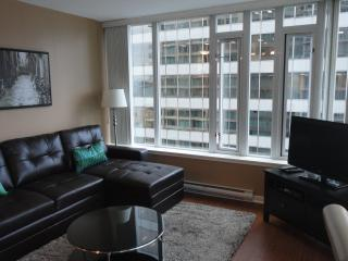 2 bedroom Condo w/ Parking  Downtown Vancouver BC