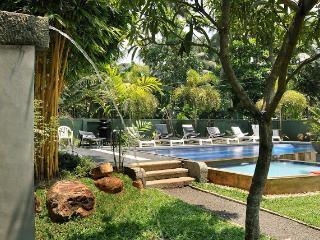 HikkaVilla - Self Catering Holiday Villa with pool, Hikkaduwa