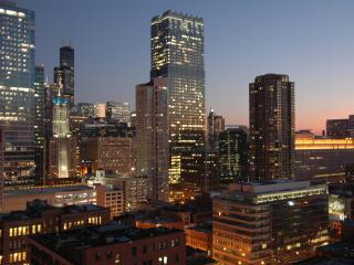 Magnificent Mile Corner Unit on 28th Floor, Chicago