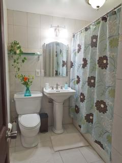 Full Bathroom with linen closet