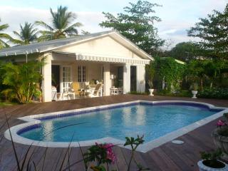 Luxury villa & private pool in Holetown, St James