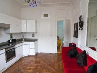 Marais French Chic,Perfect Location,1+bed,sleeps 4, Parijs