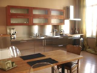 Beautiful apartment in period house near EU office, Bruselas