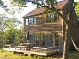 W. Tisbury:Private, Bright, Airy retreat on 3 acr., West Tisbury