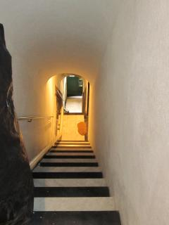 The exit: stale and marble stairs lead to Calata Marconi