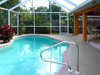 Vanderbilt Breeze Villa-Walk to Beach-Private pool