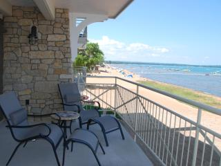 Beautiful  Furnished Suite On Grand Traverse Bay!, Traverse City