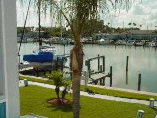 BEAUTIFUL WATERFRT 169G Madeira Beach Yacht Club