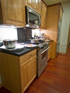 Kitchen Counters - oven side