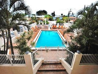 Bay to Beach Boutique Resort, Fort Myers Beach