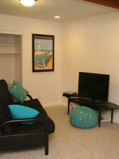 Spacious Back Bedroom also has a sitting area with a flat screen TV and a Wii - great for the kids!
