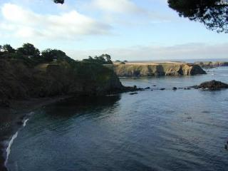 Bluff House (& Cottage) At Mendocino
