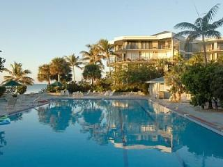 Luxury 2Bed/Bath condo on the beach. (Sleeps 6), Key West