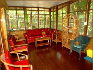Nirvana on the beach 2/3 BR Cottage w/full kitchen, Negril