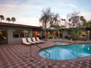 Thirteen Palms 7 Bdms/7Bths Close in Palm Springs