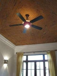 Master bedroom brick boveda ceiling w/fan