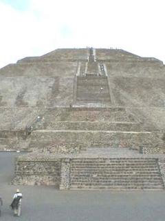Cultural Excursions to Teotihuacan or other turistic Towns such as Taxco (silver city), Mexico city downtown, Puebla...
