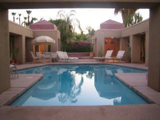 Private Large Hacienda Indoor Spa + Courtyard Pool, Rancho Mirage
