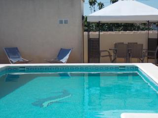 Luxury villa w/private pool, WiFi,  A/c ,BBQ, Chiclana de la Frontera