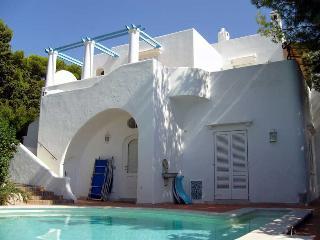 Anacapri Villa Sleeps 9 with Pool and Air Con - 5720815