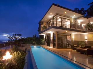 Luxury Tropical Contemporary Villa  with pool and ocean view, Uvita