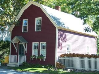 Captain McLean's Carriage House is locate in Shelburne's Historic District a few feet from the harbour. Its an easy walk to the harbour front, restaurants, shops and museums.