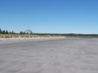 Surrounded by sand and sea, Sanderling Beach House on Louis Head Beach is the quintessential Nova Scotia vacation rental.