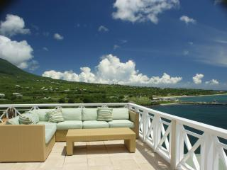 Cliffiside with Stunning Sun/Star/Moon Deck, Nevis