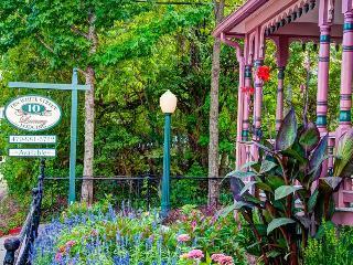 10 White Street-Victorian house-Eureka Springs, AR