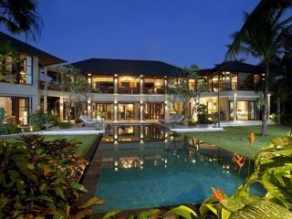 Avalon Bali 'Luxury 7 Bedrooms Villa in Canggu'