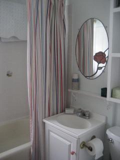 Bathroom with Tub/Shower