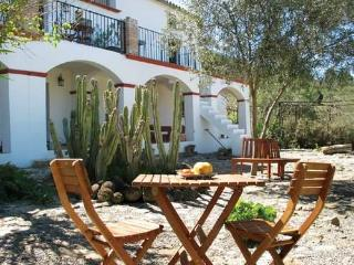 Lakeside Andalusian Finca with Panoramic Lake view, Antequera