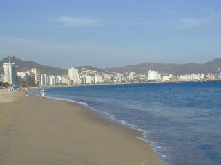 Grand Mayan 1-, 2-Bdrm Suites, Acapulco, on Beach