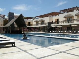 Luxury Aldea Thai 2bd/2bd Condo #237, Playa del Carmen