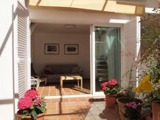 Elegant design apartment in the heart of Granada