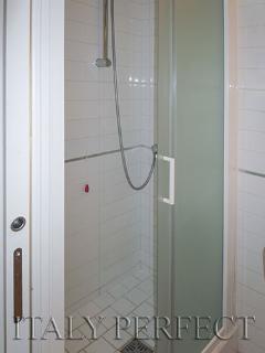 Second bathrooom.