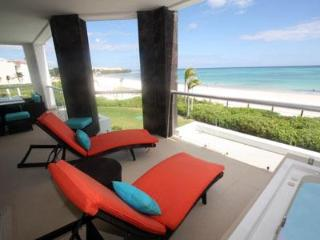 True Beachfront Golf Course Condo - Corazon, Playa del Carmen