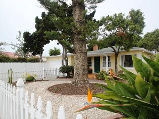 Sunshine Cottage, Private yard, parking, Peaceful., La Jolla