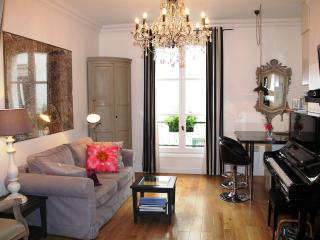 Romantique Montmartre- Luxury Studio Hideaway, París
