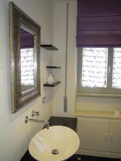 Bathroom minimal design