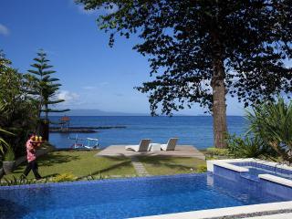 Luxury Beachfront - Villa Pantai Bali - Candidasa