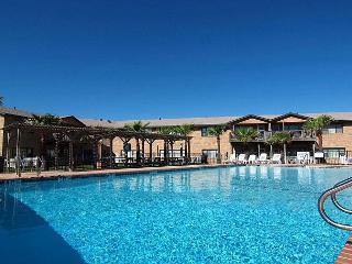 Totally remodeled 2 bedroom 2 Bath condo in fabulous Sea Isle Village., Port Aransas