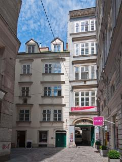 See how cute the back of the building is! Kleeblattgasse, a very old pedestrian street