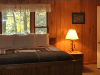 Dormitorio principal en suite con acceso directo a la bañera de hidromasaje