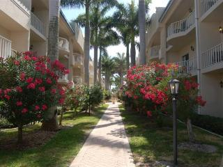 Palm Bay Club  Private Beach 3 min. - Pool, jacuzi, Siesta Key