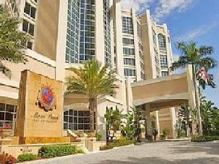 Beachfront Luxury Condo - Marco Beach Ocean Resort, Marco Island