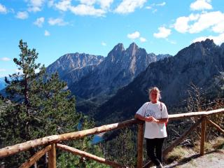 Spectacular walks about in the region: we have details guides to these and other mountain sports